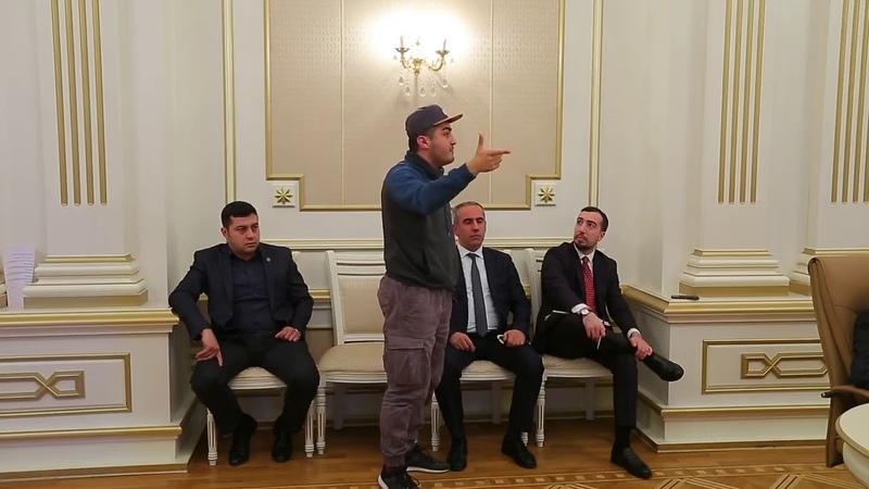 Mehman Hüseynov MSK nı biabır etdi 10 MİN BƏYƏNMƏ GƏLSİN Buyurun Mütləq baxın və paylaşın