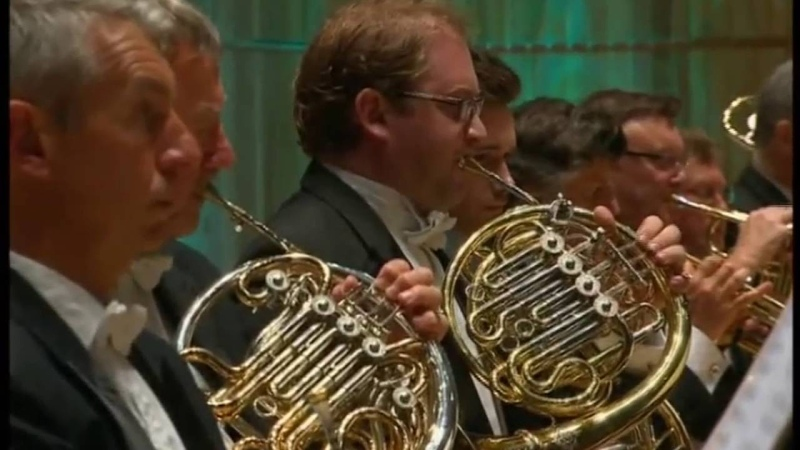 Eric Coates 'Knightsbridge' John Wilson conducts