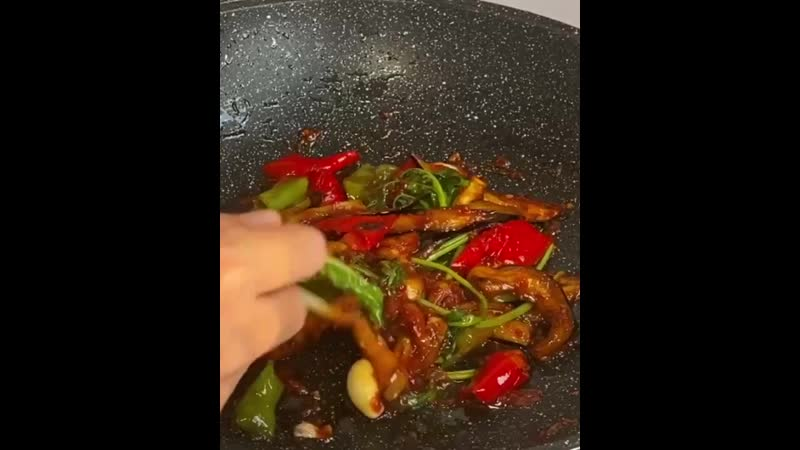 Бомбезный салат описание под видео