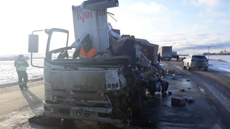 Прицеп Мана порвал водителя и фургон с бухлом