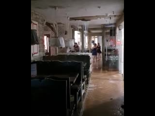 В Галлилео сегодня прорвало крышу и затопило Васильки. Приятного аппетита