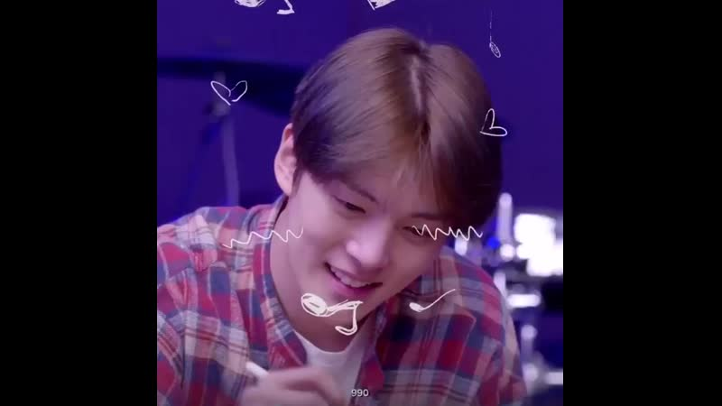 Minhyuk going while making little doodles on jooheon's face while a soft song plays in the back i will shed an actual tear