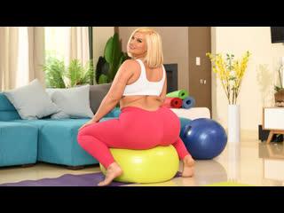 (BrazzersExxtra) Julie Cash - Julies Seductive Yoga