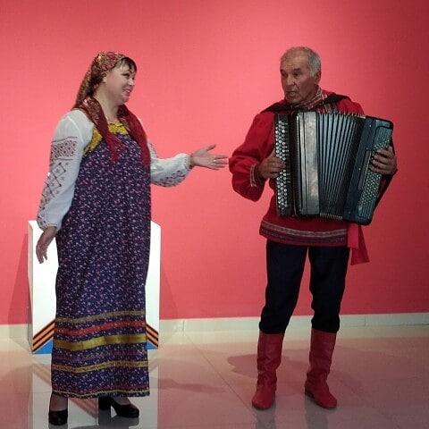 Жители Петровского района Альвек КАДАРГАЛИЕВ и Ольга БОТНАРЬ стали участниками межрайонного фестиваля народной песни