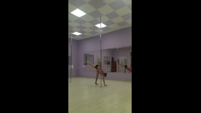 балерина с винтом в рогатку