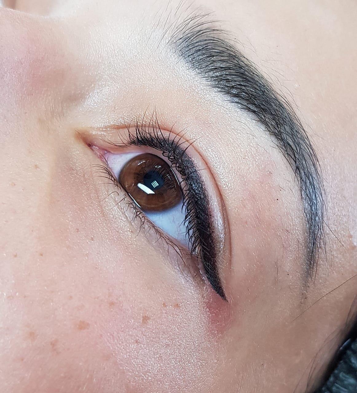 Девушки, в учебный центр перманентного макияжа, нужны модели на перманентный макияж стрелок.
