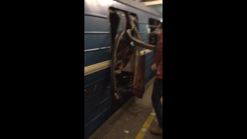 Видео с места взрыва в Питере » FreeWka - Смотреть онлайн в хорошем качестве