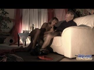 - Willa (Puzzle of Lust/Внучка трахается с дедом часть 1 из 2)