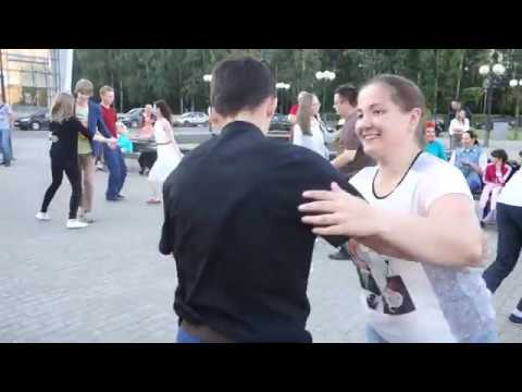 Танцы на Театральной площади г. Сыктывкара 29.07.2018 - 10 - Red Light! - Indigo Swing