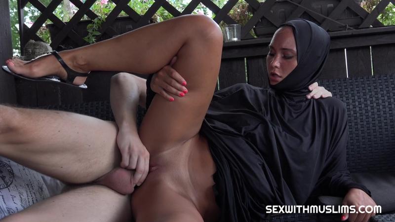 Naomi Bennet muslim arab