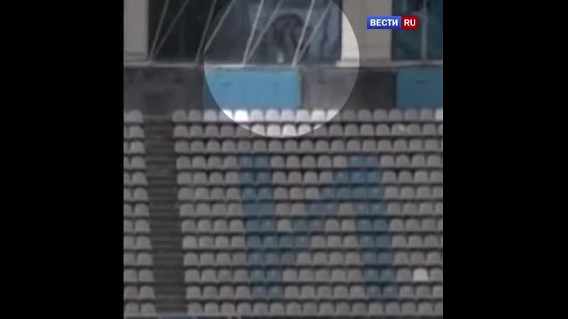 Путем Мюнхгаузена футболист Шинника подбил утку мячом во время матча ФНЛ