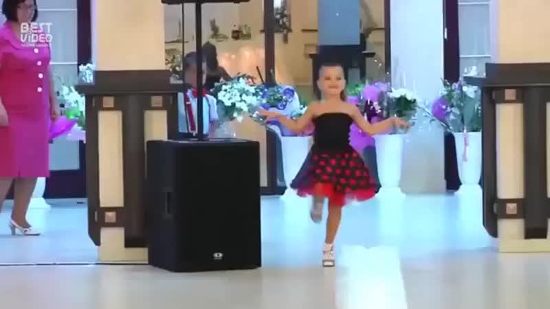 Дети порвали танцпол (360p).mp4
