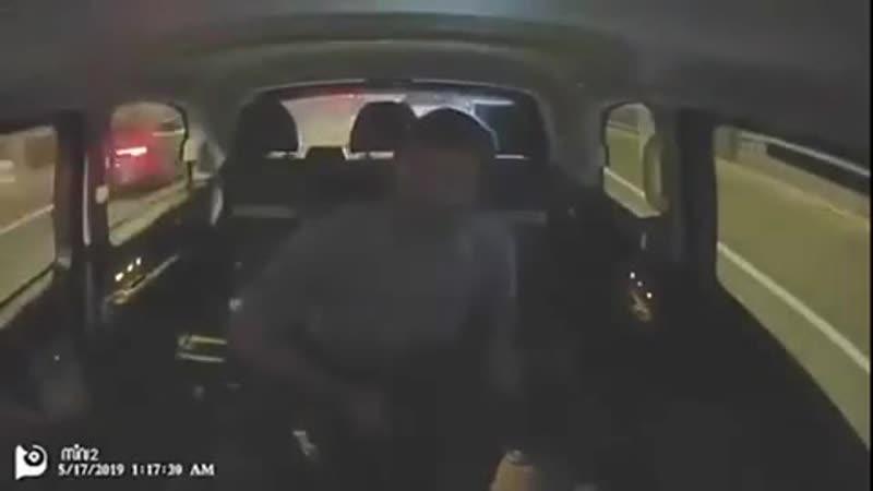 Не стоит спорить с таксистом