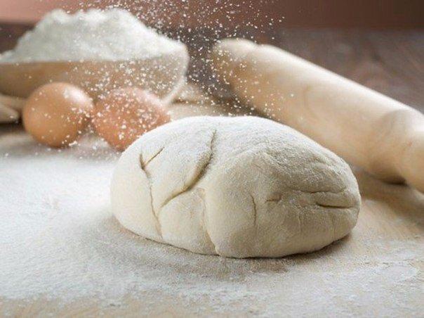 Кухонные секреты для теста. 1. Всегда добавляйте в тесто разведенный картофельный крахмал булки и пироги будут пышными и мягкими даже на следующий день.Главное условие вкусных пирогов пышное,
