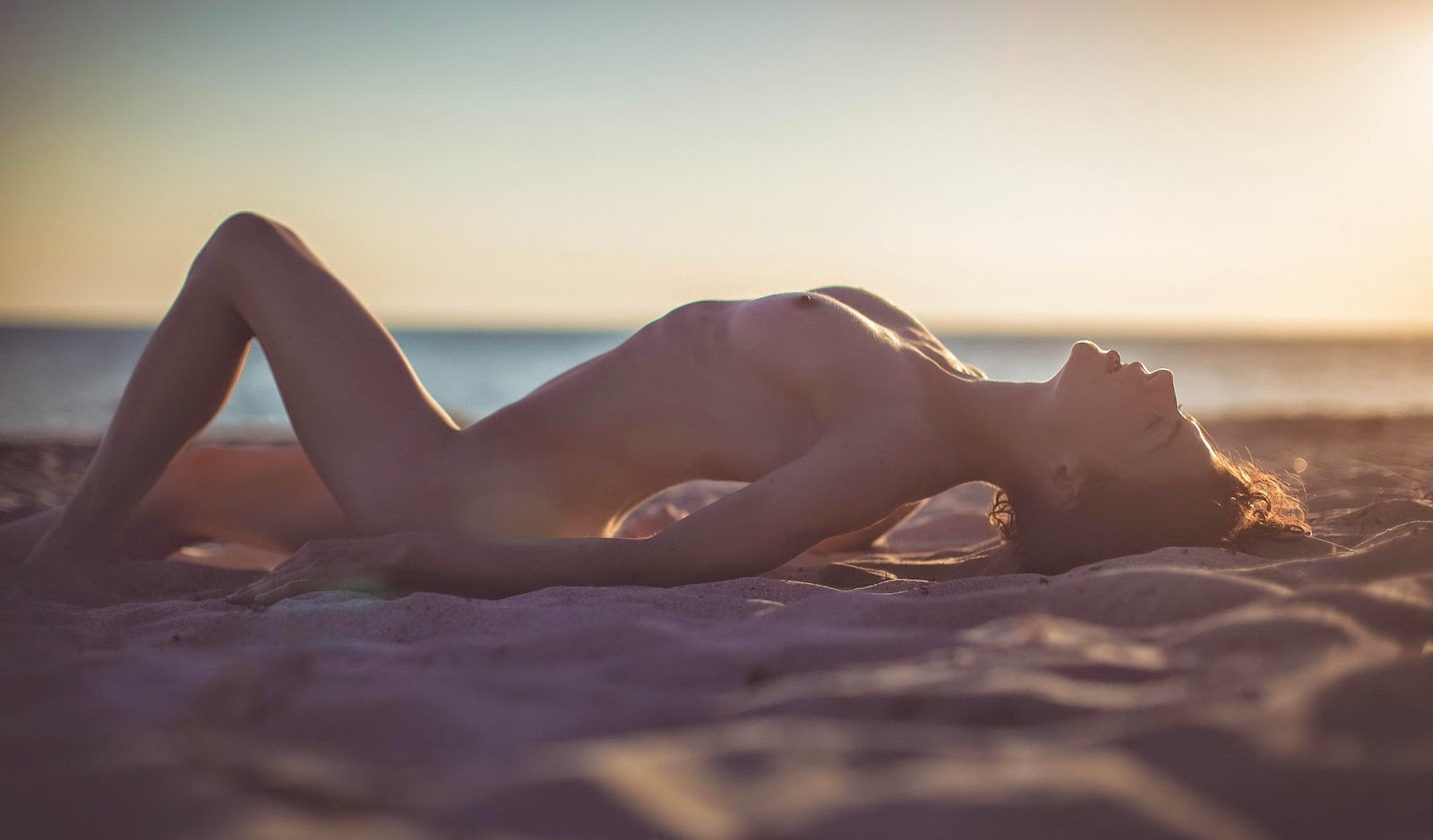 Sunset thomas naked pictures