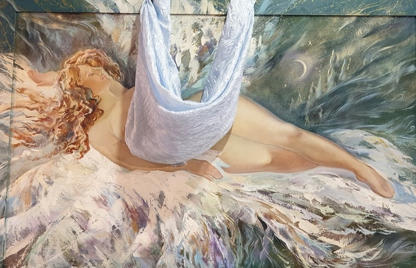 На выставке искусств картины с женщинами заклеили стикерами. В Екатеринбурге в галерее искусств прошла выставка и организаторы решили зацензурить все картины с обнаженными женщинами. Директор
