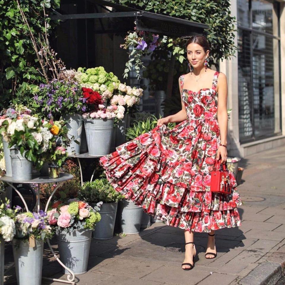 Свежие образы с платьями.