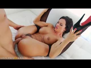 Выебал и обкончал зрелую брюнетку Franceska Jaimes (Porn Anal Se