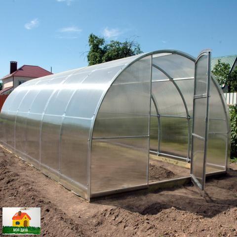 Как в теплице обновить грунт Чтобы почва была постоянно в хорошем состоянии надо ее весной до посадки, и осенью после уборки поливать растовором Фитоспорина плюс Гуми.В конце лета, когда у