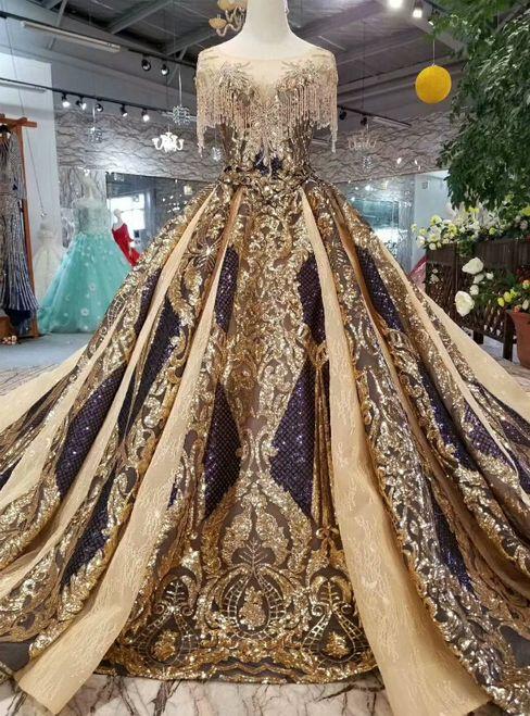 Платья настоящей королевы.