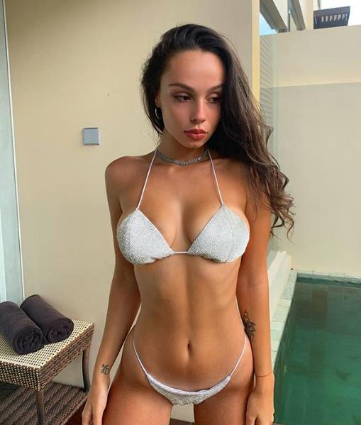 Лиза Корнилова Слив