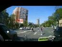 Во Владивостоке водитель едва не сбил пешеходов на светофоре