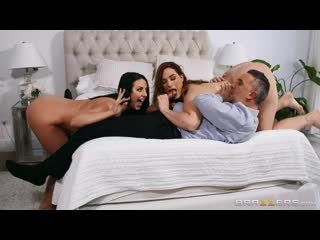 Sneaky Shower Threesome Free Video With Siri - Brazzers Official