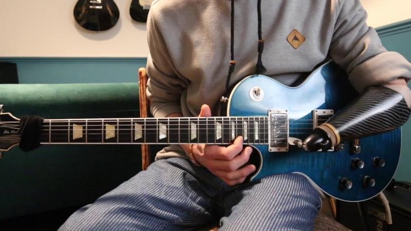 Guns N Roses - November Rain main guitar solo. One handed guitar player.
