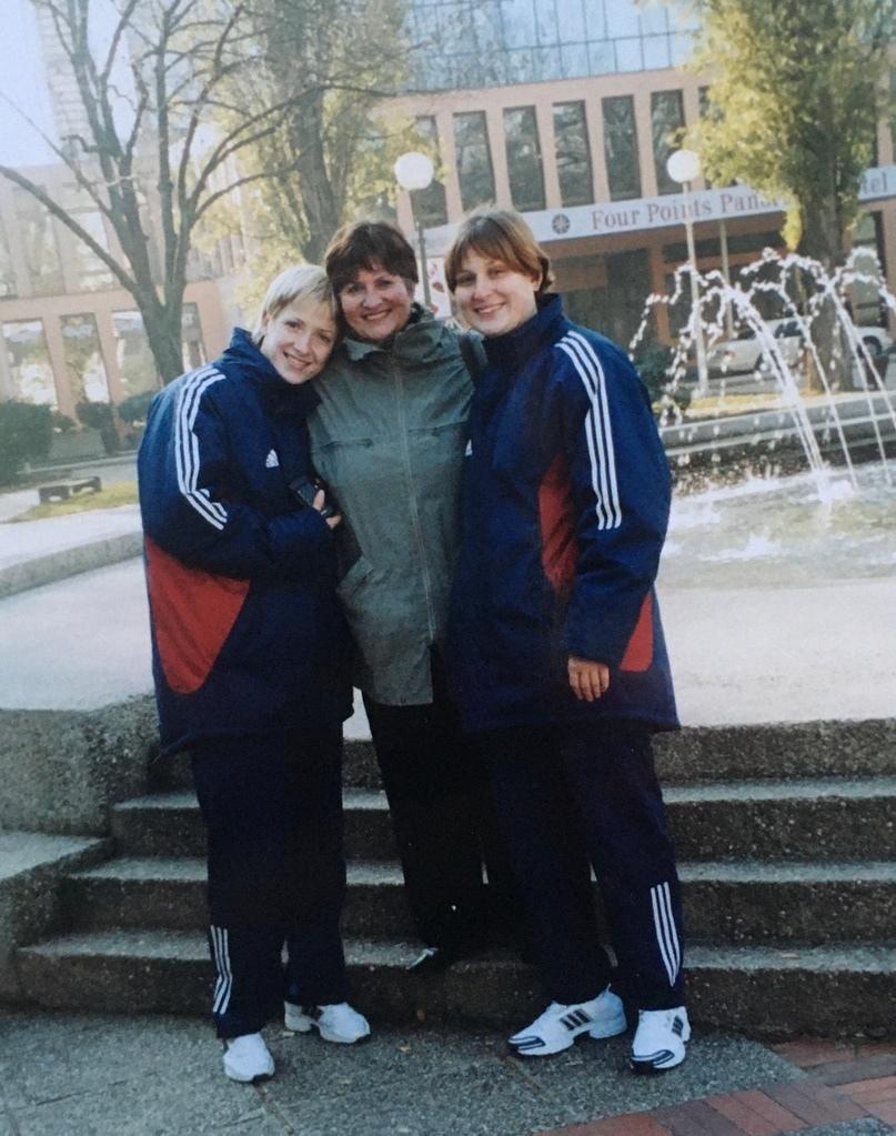 В Загребе со свекровью Еленой Александровной (она приезжала болеть) и Натальей Шипиловой