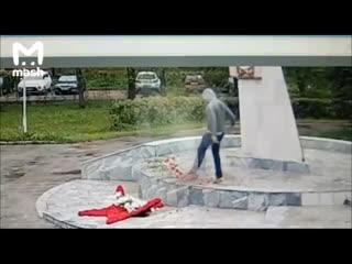 В Черноголовке идиот осквернил обелиск Воинской славы