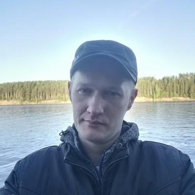 Maxim, 33, Votkinsk