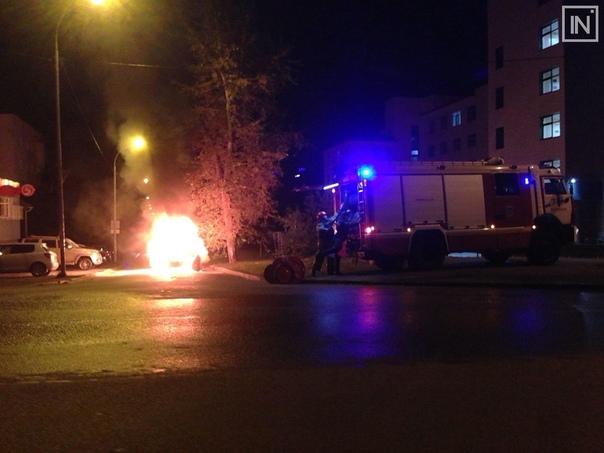 В Екатеринбурге на ходу вспыхнул автомобиль Сегодня ночью...