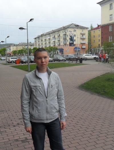 Андрей, 29, Mezhdurechensk