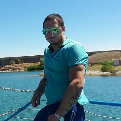 Анатолий, 31, Kapshagay