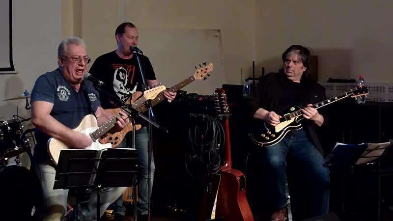 Rock Band = JEFF = Rollin and tumblin