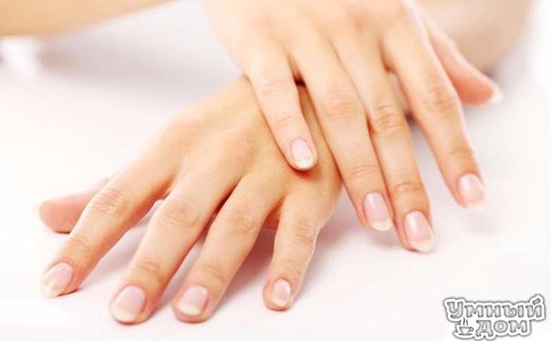 О каких заболеваниях говорят наши ногти Здоровый ноготь ровный и гладкий розового цвета с матовым оттенком с лункой в форме небольшого полумесяца. Лунки в детстве есть на каждом пальце и это