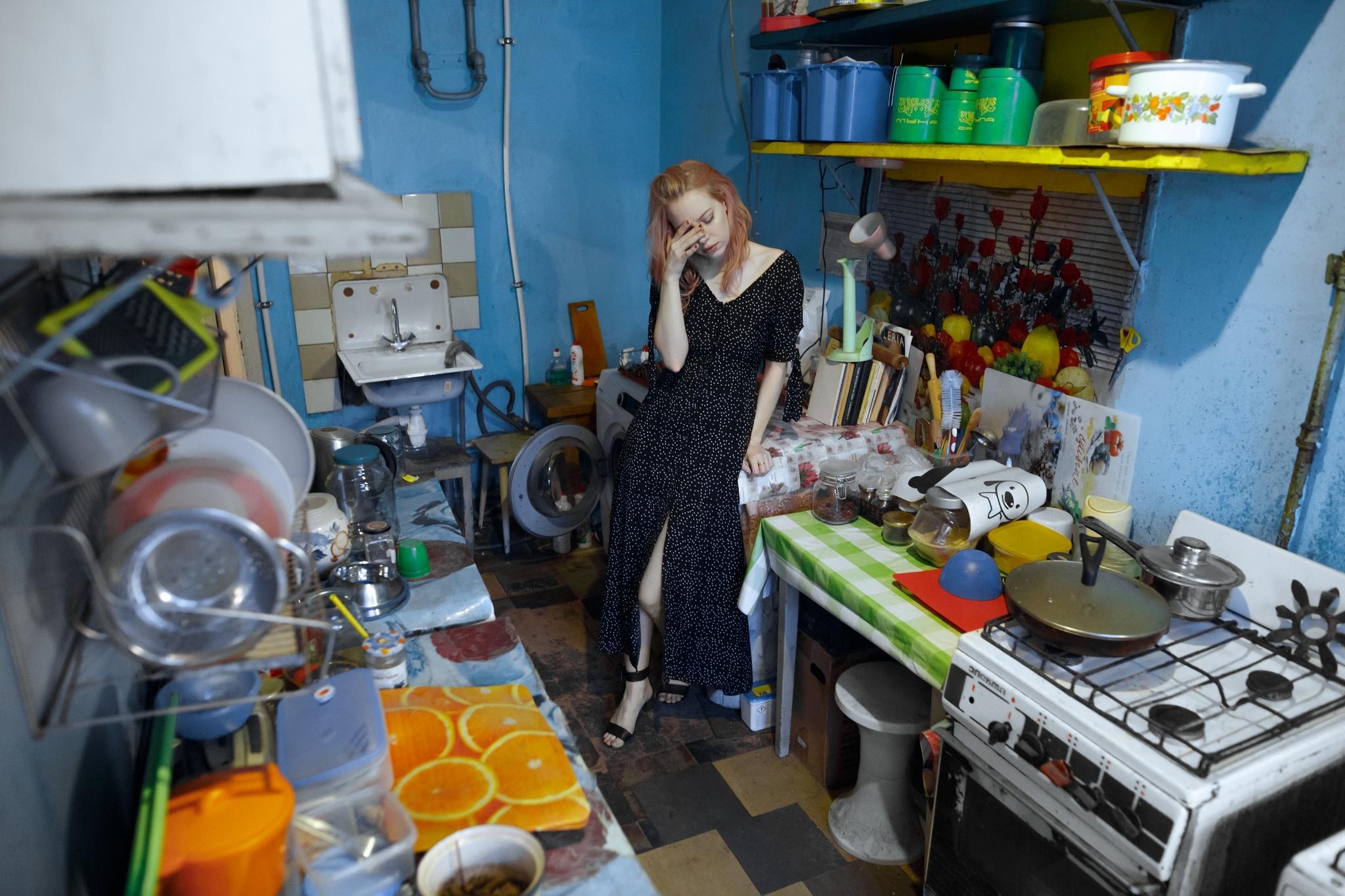Фотографии девушек в их коммуналках и общагах